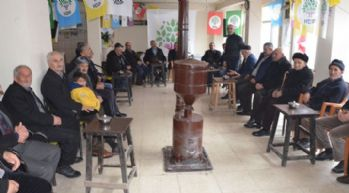 Yüksekova HDP seçim bürosuna ziyaretler devam ediyor