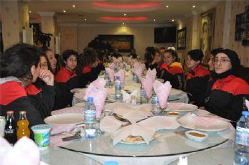Yüksekovalı kadın futbolculara malzeme desteği