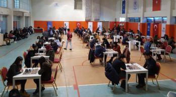 Yüksekova temsilcisi, satranç turnuvasında birinci oldu