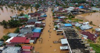 Endonezya'da sel bilançosu artıyor: 30 ölü