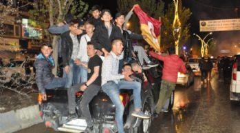 Yüksekova'da Galatasaray'ın şampiyonluğu kutlandı