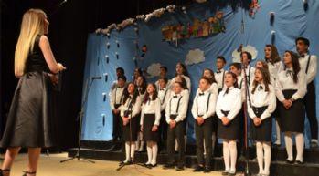 Yüksekova'da Çocuk Koroları Festivali