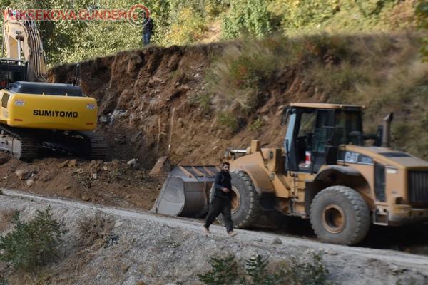 Dağlıca bölgesinde yol yapım ve onarım çalışması