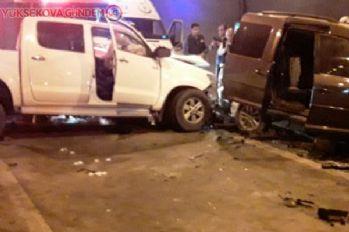 Tünelde iki araç kafa kafaya çarpıştı: 4 yaralı