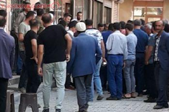 Yüksekova'da asansör boşluğuna düşen kadın yaralandı