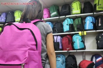 Ağır okul çantaları ağrıya yol açıyor