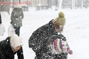 Van'da eğitime kar tatili