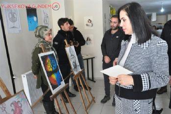 Yüksekova'da Renkli Eller Sanat Atölyesi açıldı
