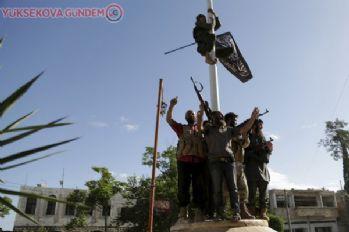 Rusya: İdlib'de Suriye ordusuna saldırıda 40 ölü