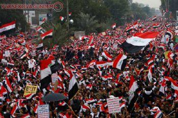 Bağdat'ta protesto: Askerlerinizi çekin!
