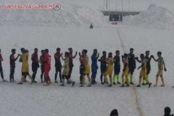 Erteleme maçında Yüksekova Bitlis'i 5-0 yendi