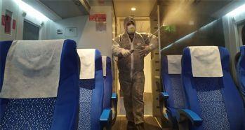 Yüksek hızlı tren titizlikle dezenfekte ediliyor