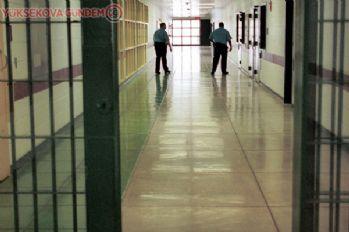 Adalet Bakanlığı, cezaevlerinde Korona'ya karşı alınan tedbirleri iki hafta uzattı