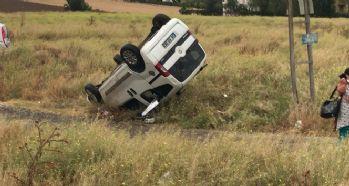 Hafif ticari araç ile otomobil çarpıştı: 1 ölü, 3 yaralı
