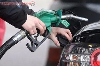 Benzinin litre fiyatı gece yarısı 7 TL'yi aşacak
