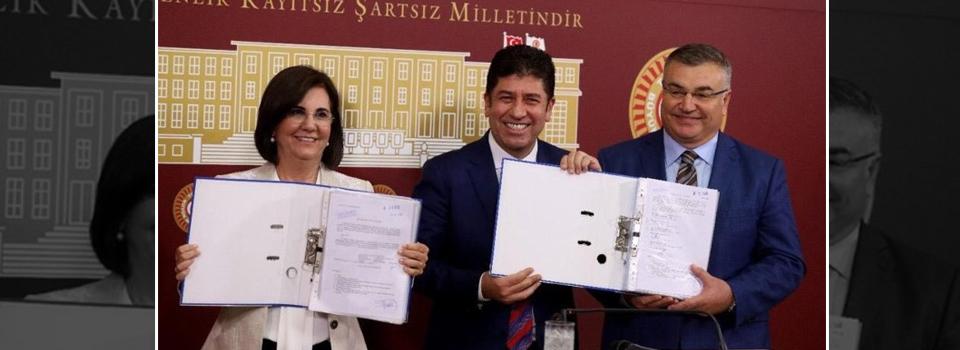 CHP'de kurultay imzaları 564'e yükseldi