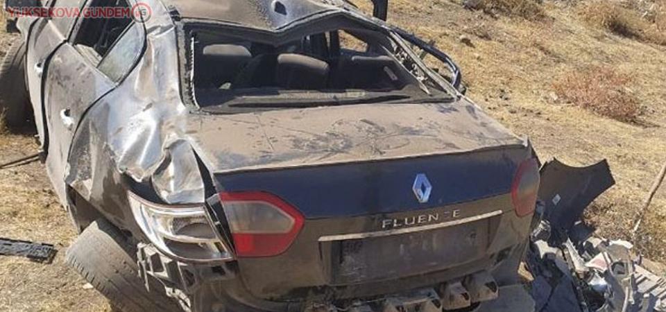 Van'da takla atan araç şarampole yuvarlandı: 5 yaralı